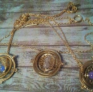 Jewelry - Sands of time spinning pendulum necklace